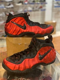 University Red foams size 10.5 Silver Spring, 20902