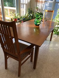 Table with 2 Arm Chairs