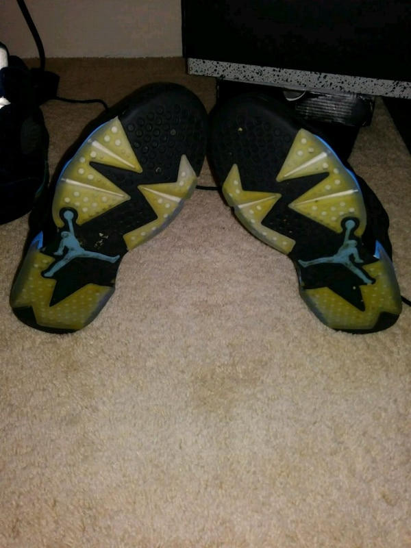 536db3b43602f8 Used Air Jordan UNC 6s size 9 for sale in Hot Springs - letgo