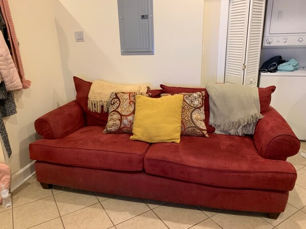 Astonishing Used Red Couch Pillows For Sale In Chicago Letgo Pdpeps Interior Chair Design Pdpepsorg