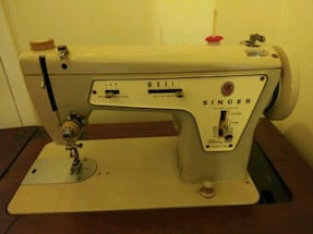 1970s Singer sewing machine with cabinet