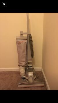 Vacuum cleaner Kirby, great condition with new accesories and box