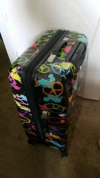 Brand New Suit Case Never Used Surrey, V3V 1B3