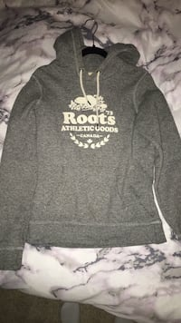 Gray and white roots pullover hoodie 541 km