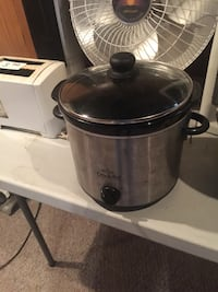 stainless steel and black slow cooker Eastpointe, 48021