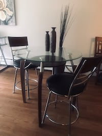 Glass top table and chairs Coquitlam, V3K 1E2