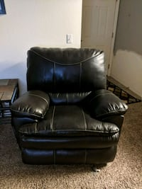 black leather recliner sofa chair Colorado Springs, 80905