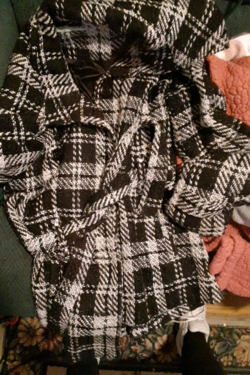 Photo Large Maurice's black and white checkered trench women's super cute
