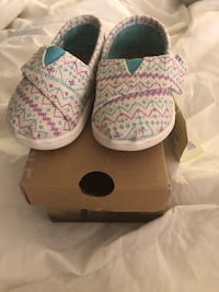 Toms infant shoes size 4 brand new Baltimore, 21209