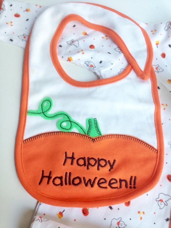 NEW WITH TAGS! HALLOWEEN 3-pc Baby Sleeper Pyjama Outfit - 6-9Months de7b40d8-b578-4474-b629-a010f1a44081