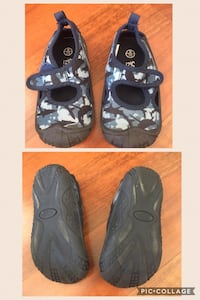 Size 7/8 toddler Water shoes Barrie, L4M 6P7