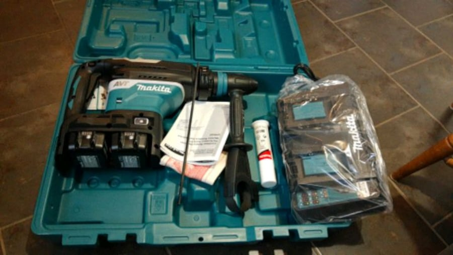 Makita jack Hammer , cordless never been used 35a8ff3f-062b-43f9-a171-b9852586d63d