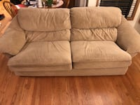 brown suede 3-seat sofa Lynnwood, 98036