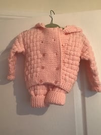 Knitted outfit fits up to 6 months. Pants and sweater.  Hand made  Brampton, L6X 1K7