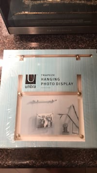 Umbra Trapeze Hanging Picture Frame brand new in packaging Toronto, M5A 4A8