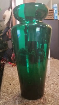 Sleek emerald green vase