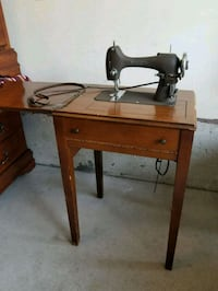 National Sewing Machine seamstress reverse sew mod Brampton, L6R 1L5