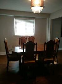 Dinning table  Markham, L3R 9H9