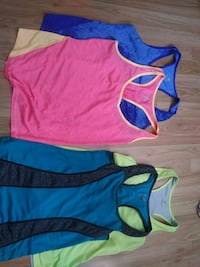 4 workout tops (size M) Guelph, N1G 3A1
