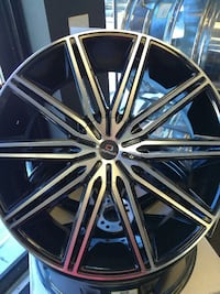 chrome spoked vehicle wheel Miami, 33162