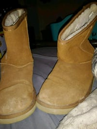 pair of brown suede boots Bangor, 04401