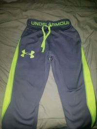 Under armour sweats  Edmonton, T6R 0L6