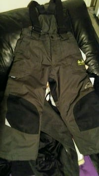 NWOT Boys Size 5 McKinley Waterproof Snowpants Olive Green New Westminster, V3L 1H4
