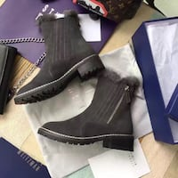 Used grey ankle boots size 8 Palo Alto, 94301
