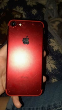 PRODUCT RED iPhone 7  Victorville, 92395