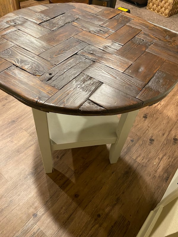 Awesome custom basketweave side/end table. 0