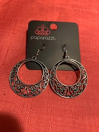 Silver dangle earrings  Gaithersburg, 20877