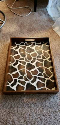 Moving sale! Serving trays (2) 104 mi