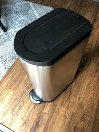 Simple Human stainless steel large kitchen trash can Virginia Beach, 23455