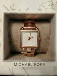 Brand New Michael Kors Rose Gold Square Watch Vancouver, V5X 1N5