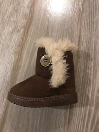 Baby boots size 22 Toronto, M5A 2Y1