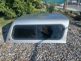 2001-2004 Toyota Tacoma camper shell 5ft