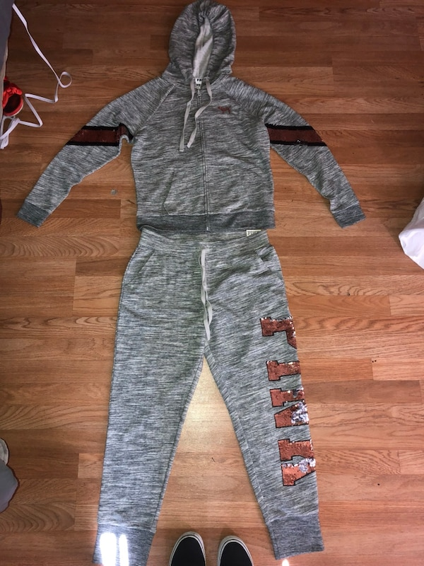 63f54d4291 Used Pink sweat suit (med top  large bottoms ) for sale in Hayward - letgo