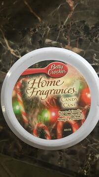 Betty Crocker Home fragrances Candy Cane scented candle Vaughan, L6A 0B7