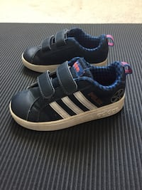 Size 9 kids adidas running shoes