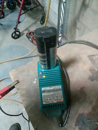 Makita battery and charger Bakersfield, 93305