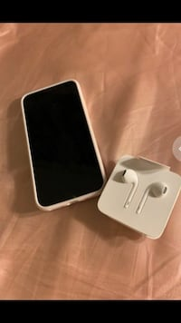 iPhone X and Apple Airpods 1162 mi