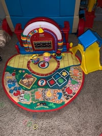 toddler's blue and yellow learning table Woodbridge, 22191