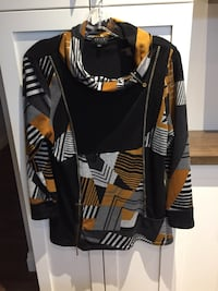 Woman's sweater top size XL  London, N6B