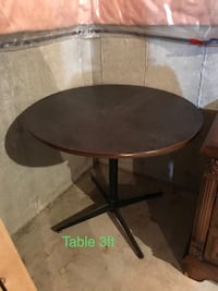 round black wooden pedestal table Innisfil, L9S 2C7