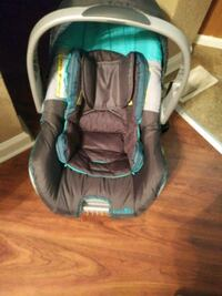 Car seat with base Indianapolis, 46202