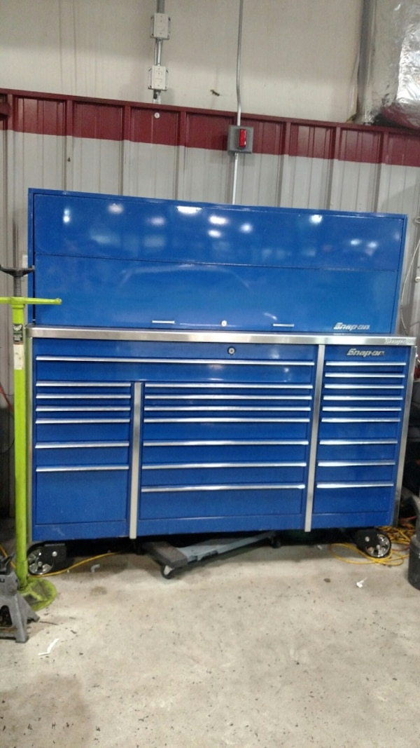Snap-On Master series Triple Bank Toolbox, w/ Chrome wheels, New Stainless  Steele Top and 3/4 Locking Hutch