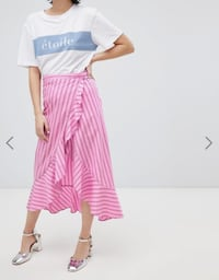 Pink skirt with black and white stripes from River Island in MINT condition. Size UK 8/EUR 34/US: 4/Small Toronto