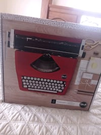 Typewriter *new in box* Las Vegas, 89115