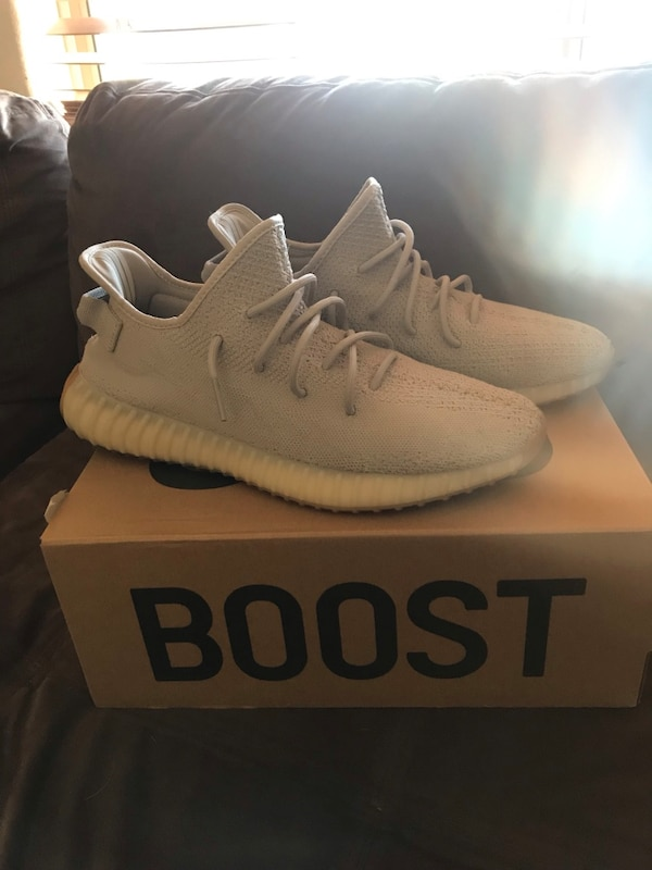 29f5b22352439 Used Yeezy 350 V2 for sale in Peoria - letgo