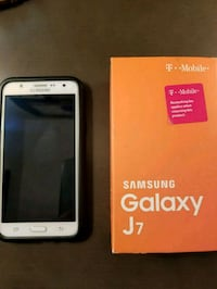 white Samsung Galaxy J7 with box Vancouver, 98684